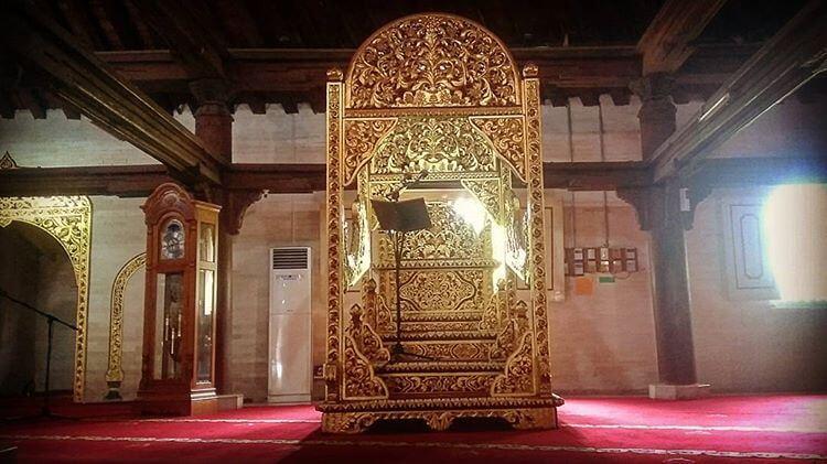 Sejarah Menarik Mimbar dan Masjid Mewah Kauman di Yogyakarta