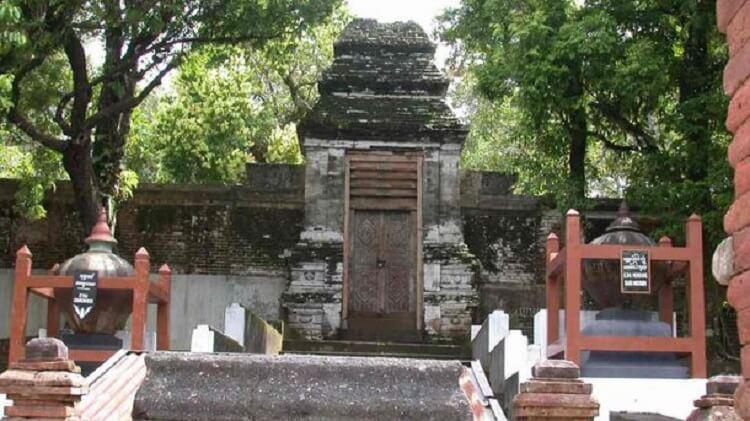 Makam Raja-Raja Imogiri (Permakaman Imogiri), Sumber : pariwisata.bantulkab.go.id