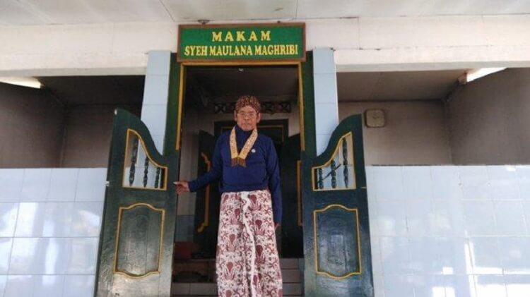 Makam Syekh Maulana Maghribi, Sumber : jogja.tribunnews.com